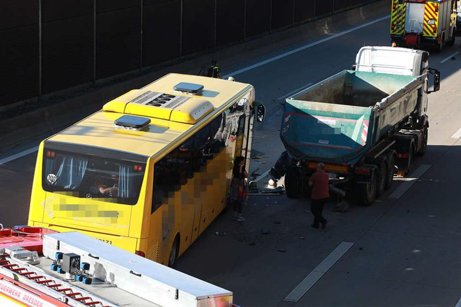 Wie der Unfall passierte, ist derzeit noch unklar.