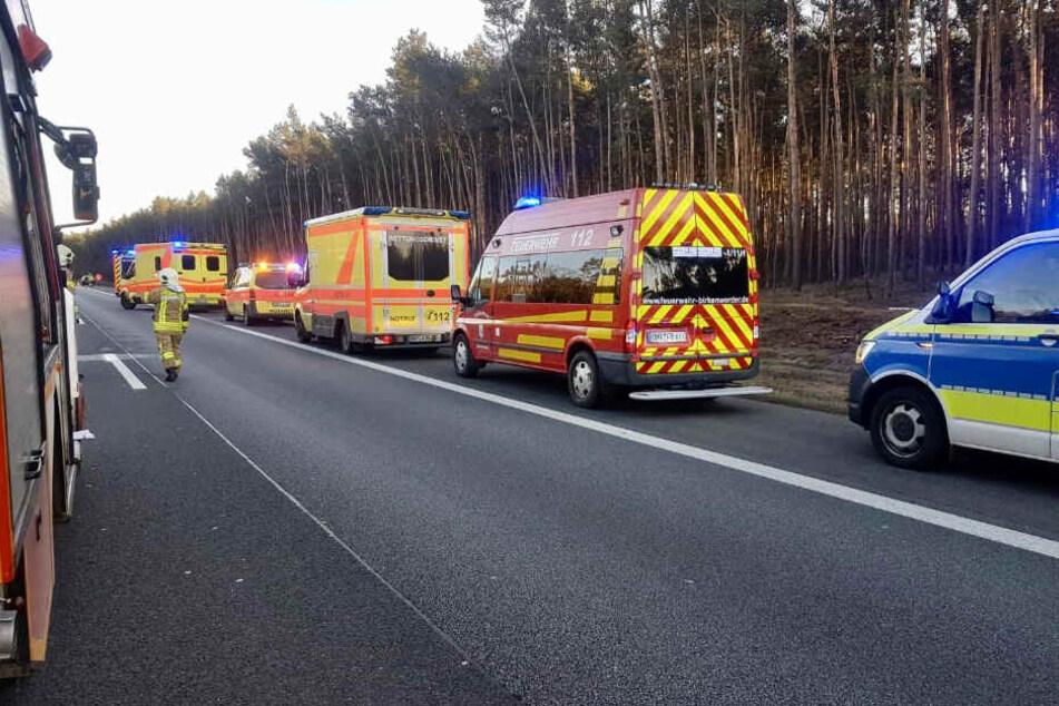 Die Unfallaufnahme und Räumung des Unfallortes dauerte knapp zwei Stunden.