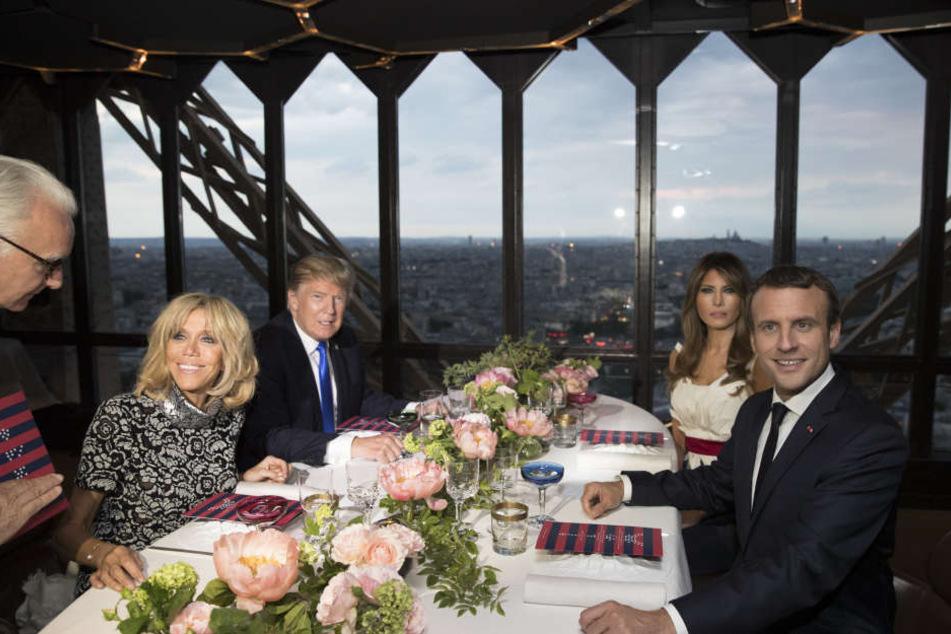 Die Ehepaare Trump und Macron dinierten am Donnerstag gemeinsam auf dem Eiffel Turm.