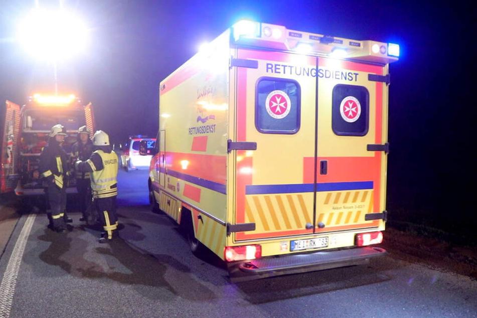 Nach dem Unfall musste der Fahrer schwer verletzt ins Krankenhaus gebracht werden.