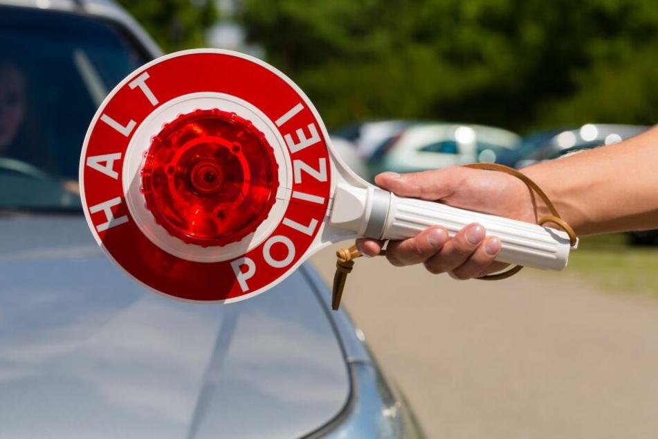 Die Polizei in Düsseldorf stoppte einen betrunkenen Taxifahrer.