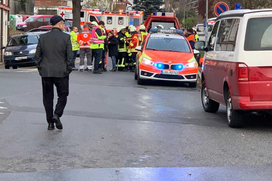 Feuer-Drama in Wohnheim: Retter bergen Leiche aus Behinderteneinrichtung