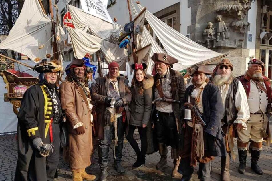 TAG24-Redakteurin Charlotte Geille hat schon mal die Piraten getroffen.
