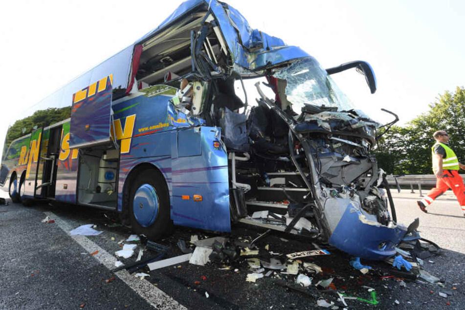 Das Wrack des Busses.