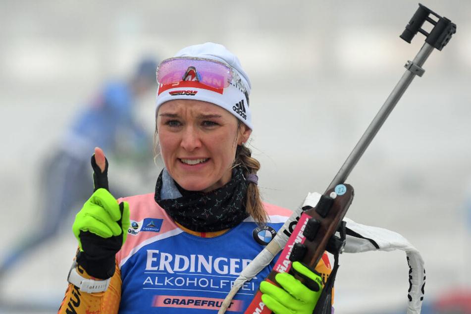 Denise Herrmann aus Deutschland während des Anschießens.
