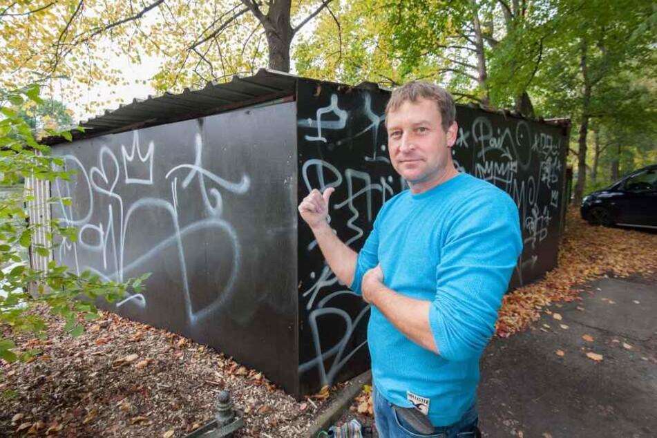 Auch mit Graffiti an der Gondelstation hatte Falko Hirsch (44) schon zu kämpfen.