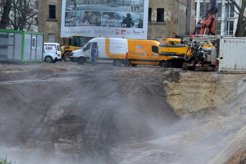 Bei Bauarbeiten in Leipzig hat ein Bagger eine Versorgungsleitung beschädigt. Es kam zu Störungen der Wärmeversorung.