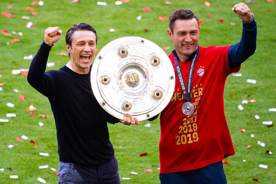 Niko Kovac (l.) und sein Co-Trainer und Bruder Robert Kovac feierten die Meisterschaft.