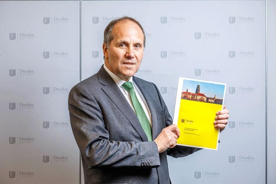 Herbert Gehring (59) leitet das Rechnungsprüfungsamt. Dr stellte gestern den jüngsten Abschlussbericht für 2017 vor.