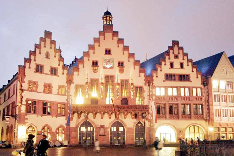 In der ersten Runde der Römer-Koalition am 15. August will die Stadt über die selbstverwalteten Zentren in Frankfurt reden.