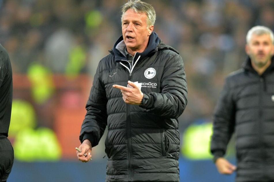 Trainer Uwe Neuhaus verlangt weiterhin Leidenschaft und Einsatz von seinen Jungs.
