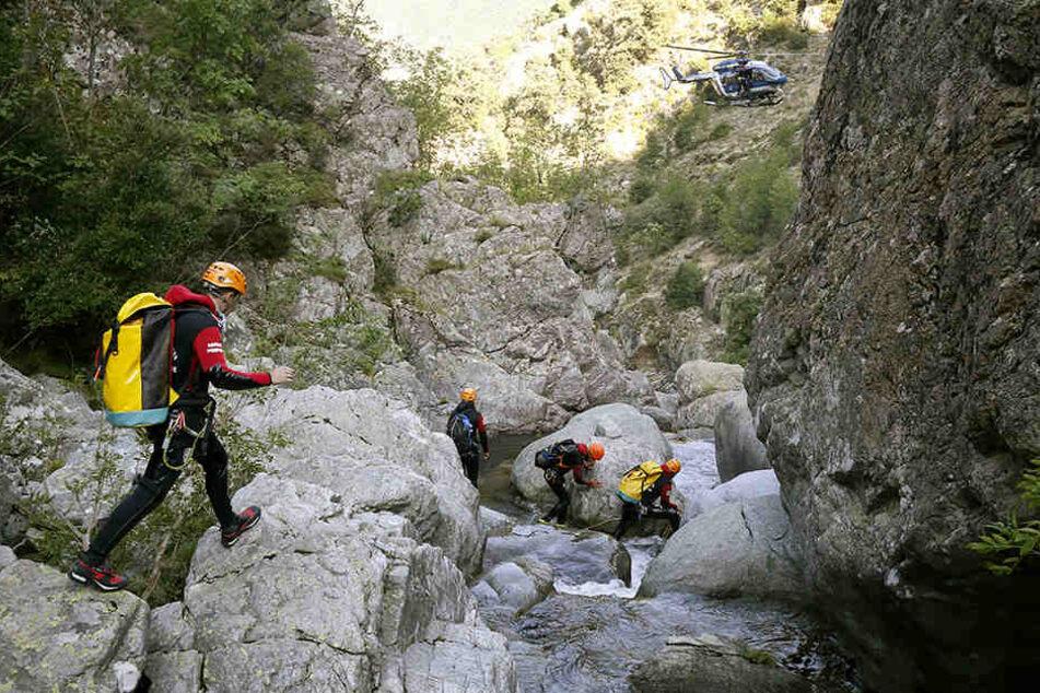 Das tragische Unglück ereignete sich in einer Schlucht in der Nähe des Ortes Soccia nordöstlich der Inselhauptstadt Ajaccio.