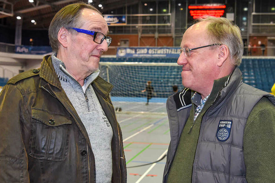 Bielefelds Oberbürgermeister Pit Clausen (SPD, re.) steht dem DSC-Vereinspräsident Hans-Jürgen Laufer (li.) und dem Club zur Seite.