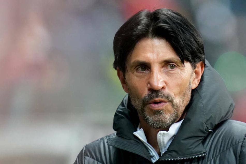 Nach dieser Saison scheidet Bruno Hübner (60) bei Eintracht Frankfurt als Sportdirektor aus.
