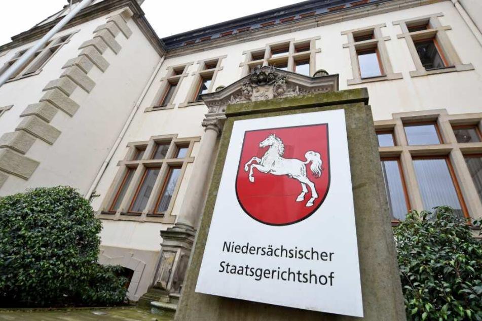 Der Prozess um den tödlichen Schuss findet vor dem Landgericht Bückeburg statt.
