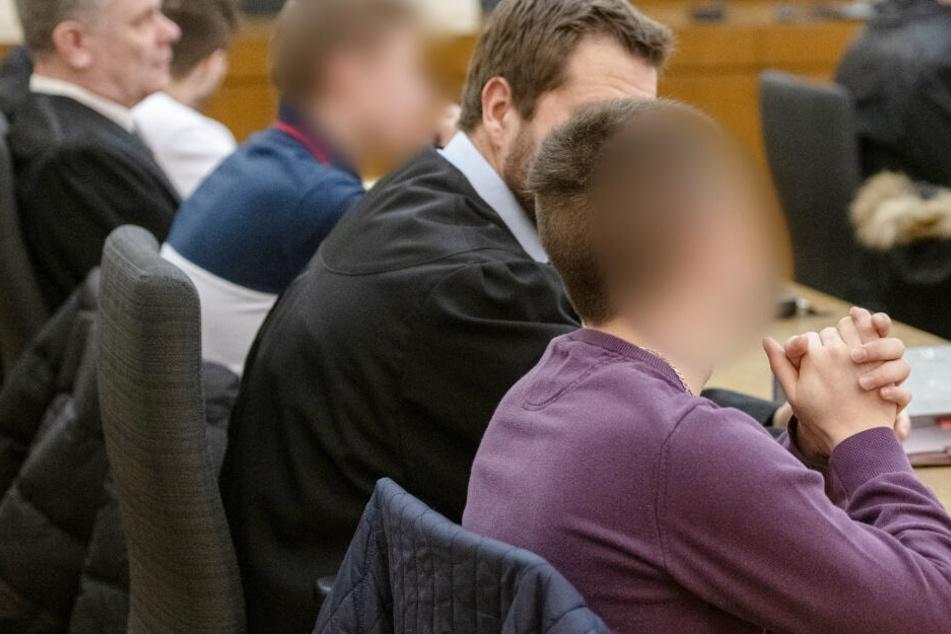 Vor dem Gericht in Passau hatten sich mehrere Personen verantworten müssen. (Archivbild)