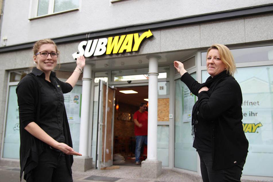 Area-Managerin Laura Verdyck (li.) und Franchise-NehmerinJessica Fait freuen sich auf die Eröffnung ihres neuen Subways.