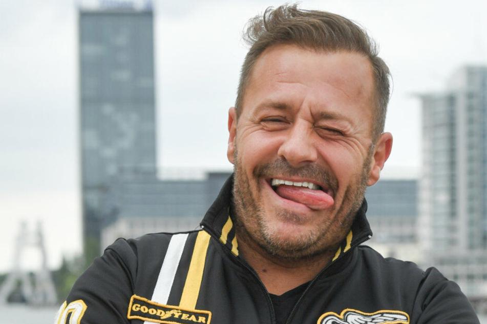 Willi Herren (44) lässt sich die Laune nicht vermiesen.