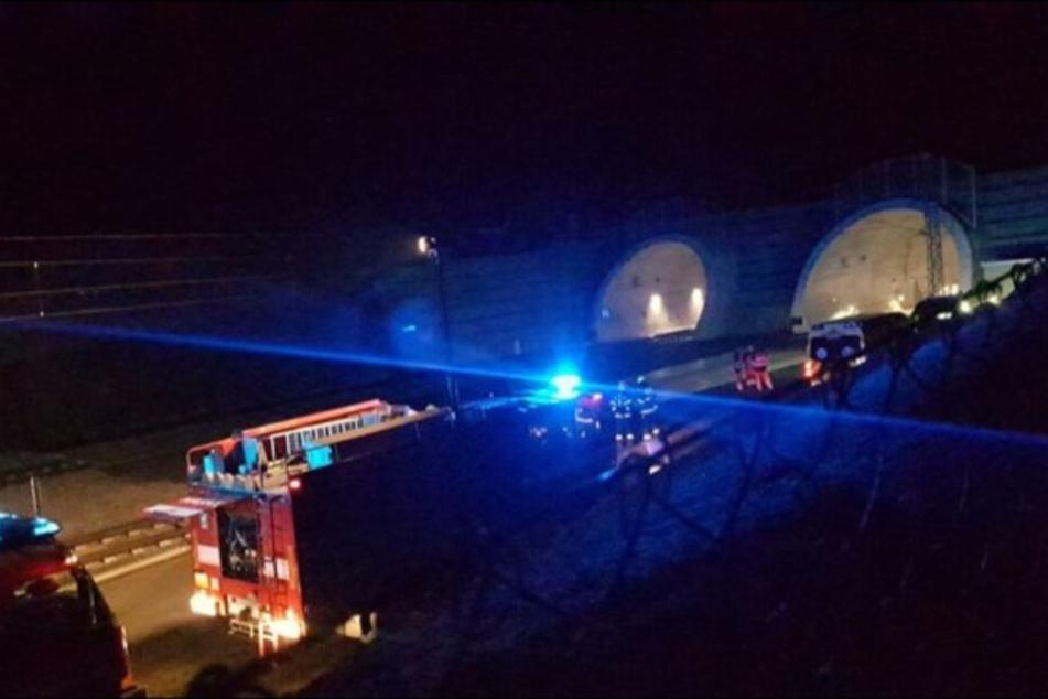 Ein Zug der Ceske Drahy geriet im Tunnel Ejpovic in Flammen.