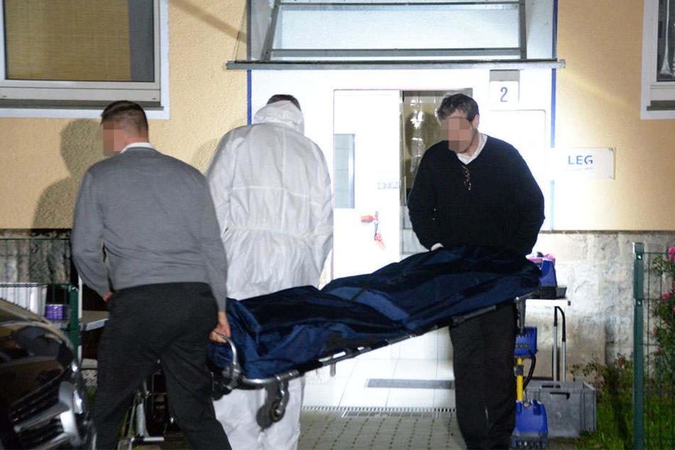 Eine 24-jährige Frau wurde mit ihrem Kind tot aufgefunden.