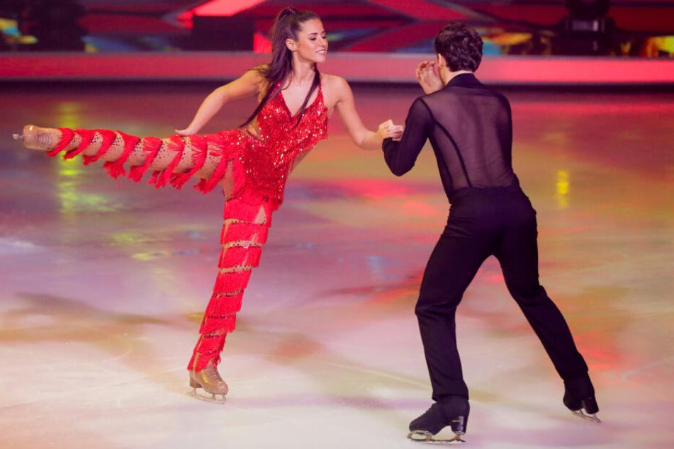 """Sarah Lombardi bei einem Auftritt von """"Dancing on Ice""""."""