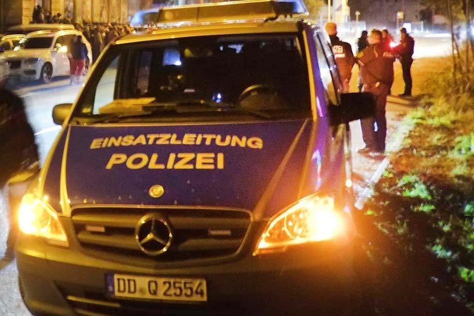 Security-Mitarbeiter übergaben der Polizei den Tatverdächtigen (Symbolbild).