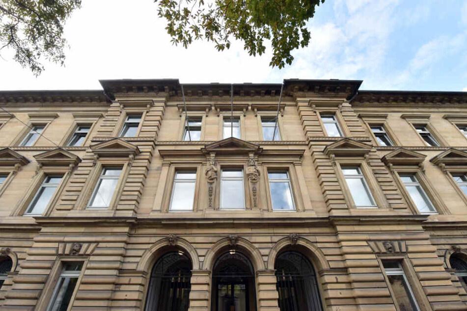 Der Fall wird am Landgericht Karlsruhe verhandelt.