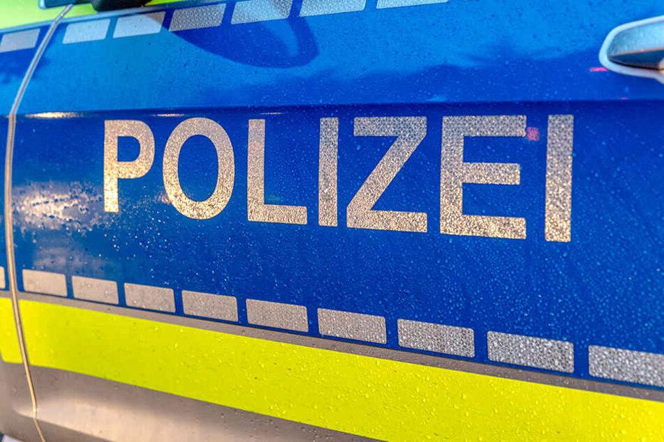 Die Polizei hat einen komplett verwahrlosten Mann aus seinem Elternhaus in Bayreuth befreit.