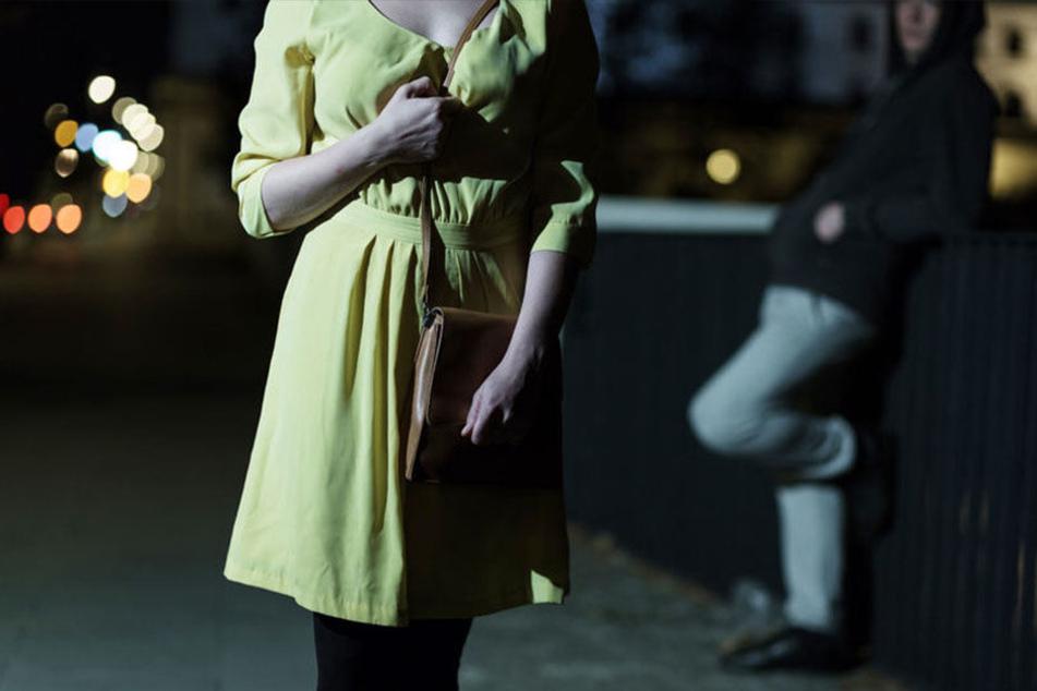 Die junge Frau konnte dem Unbekannten entkommen. (Symbolbild)