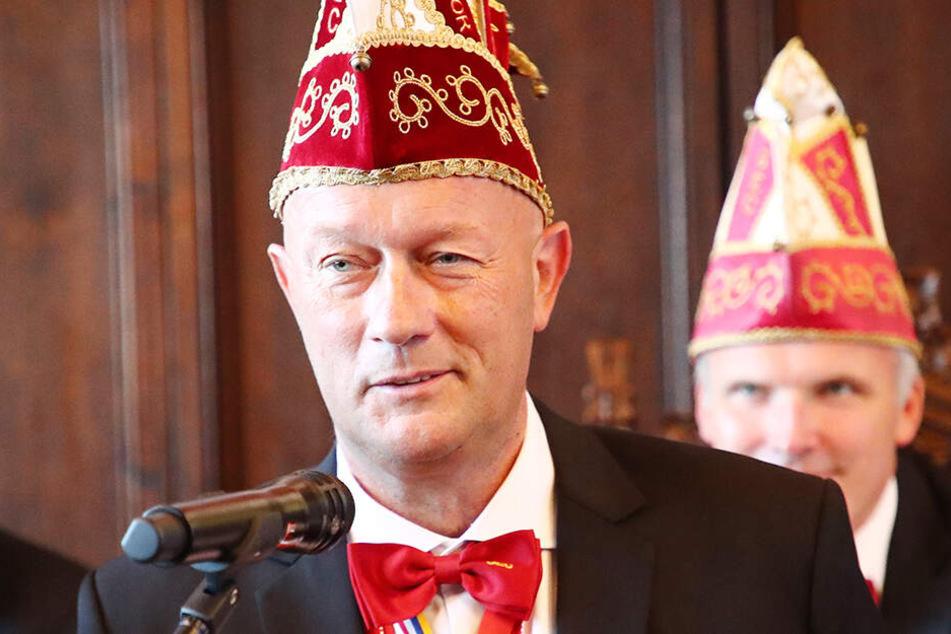 Kemmerich hier gut getarnt. Der Politiker ist auch Präsident der Gemeinschaft Erfurter Carneval von 1991 e.V.