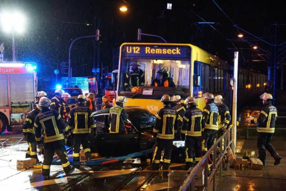 Ordentlich gekracht hat es am Samstagabend auf der Kreuzung zwischen Nordbahnhofstraße und Rosensteinstraße.