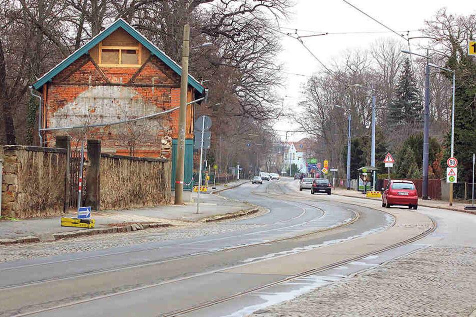 Diese Holperpiste ist Radebeuls wichtigste Straße. Ab Montag wird umfassend saniert.