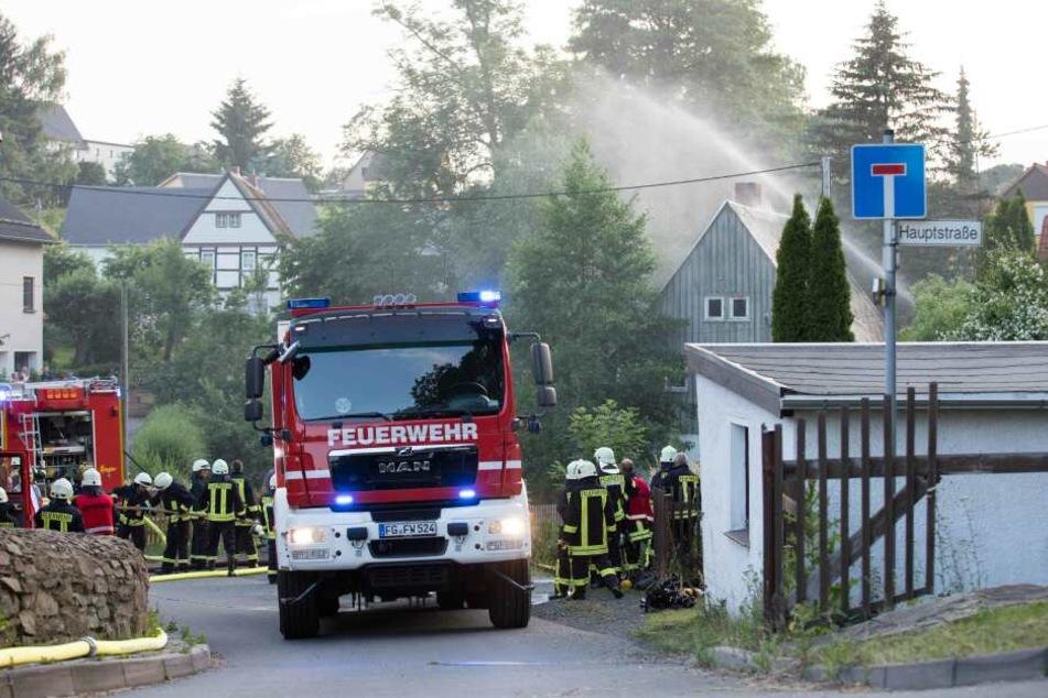 Am Freitag wurden ca. 80 Kameraden der Feuerwehren auf den Eschenweg in Großschirma alamiert.