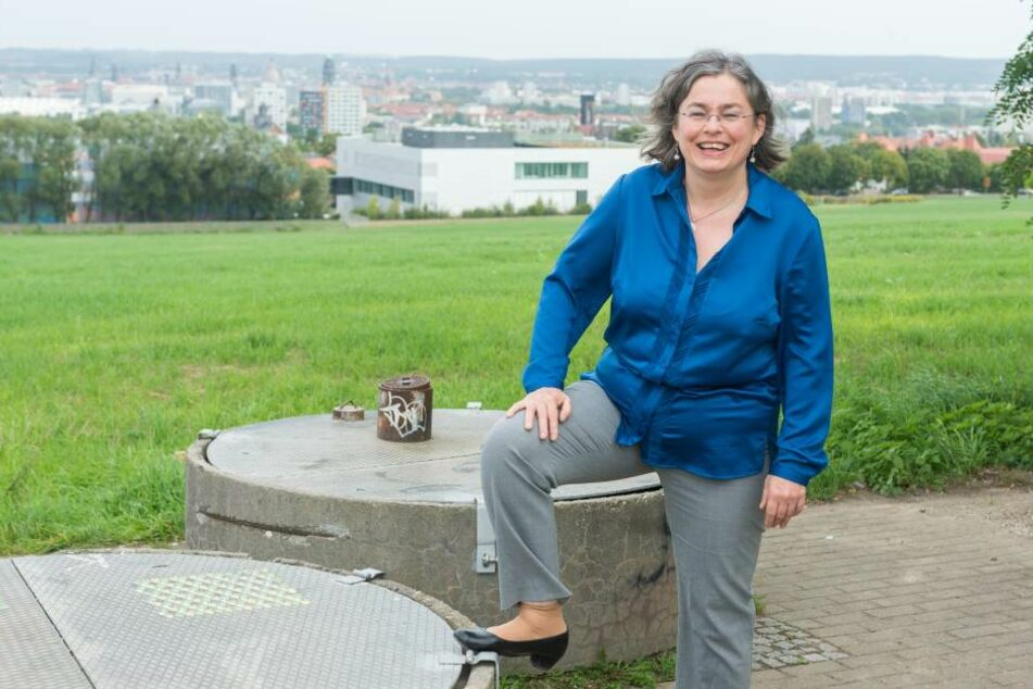 Plant den Südpark: Umweltbürgermeisterin Eva Jähnigen (51, Grüne). An dieser  Stelle soll ein Aussichtspunkt entstehen.