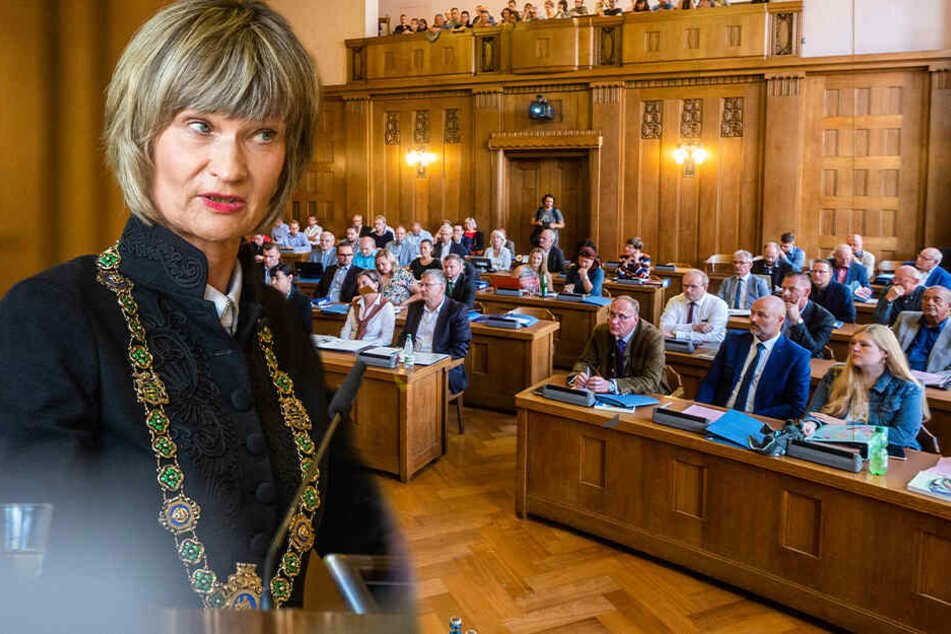 Stadtrat in Chemnitz: Erste Sitzung nach der Wahl startet mit hitzigen Debatten