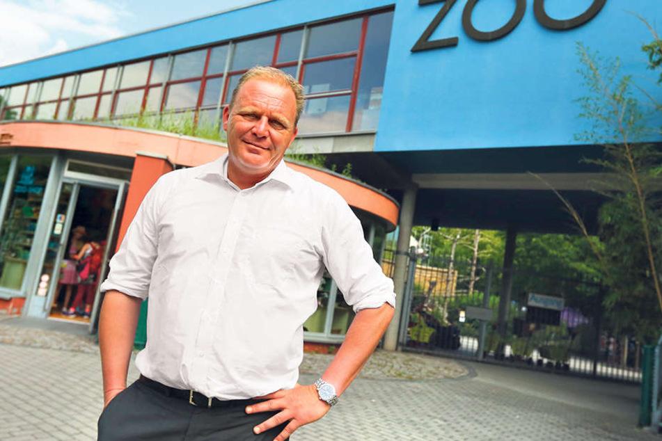 Karl-Heinz Ukena (46) ist Geschäftsführer im Zoo Dresden und leitet ihn seit 15 Jahren.