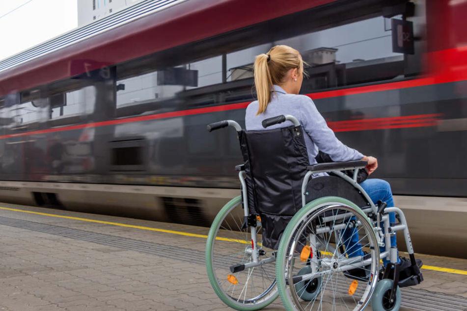 Die Rollstuhlfahrerin konnte den Täter mit einer Ohrfeige in die Flucht schlagen.