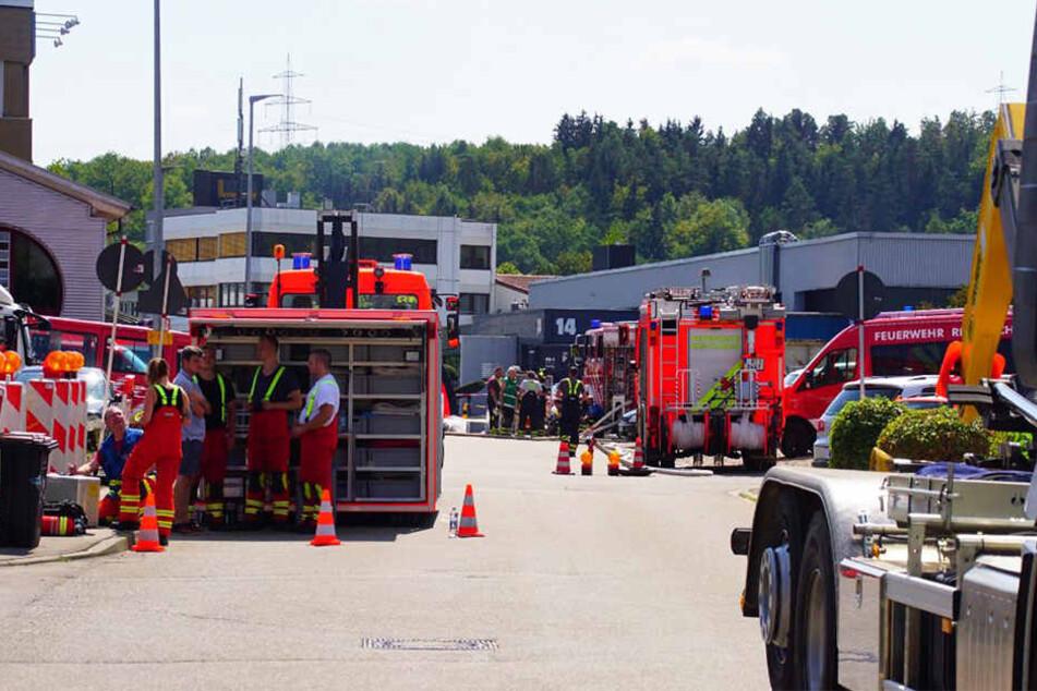 Gegen 12.38 Uhr ist es in einer Entsorgungsfrima in Riederich zu einem Gasaustritt gekommen.
