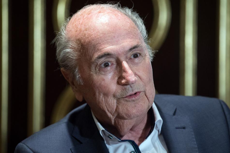 Der ehemalige FIFA-Präsident Joseph Blatter (84) spricht bei einem Interview.