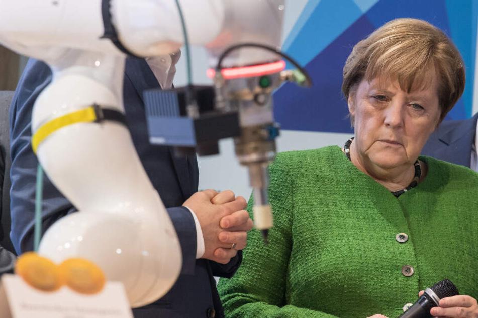Bundeskanzlerin Angela Merkel (CDU) hat nun auch ihre Gespräche mit mit der deutschen Wirtschaft abgesagt. (Archiv)