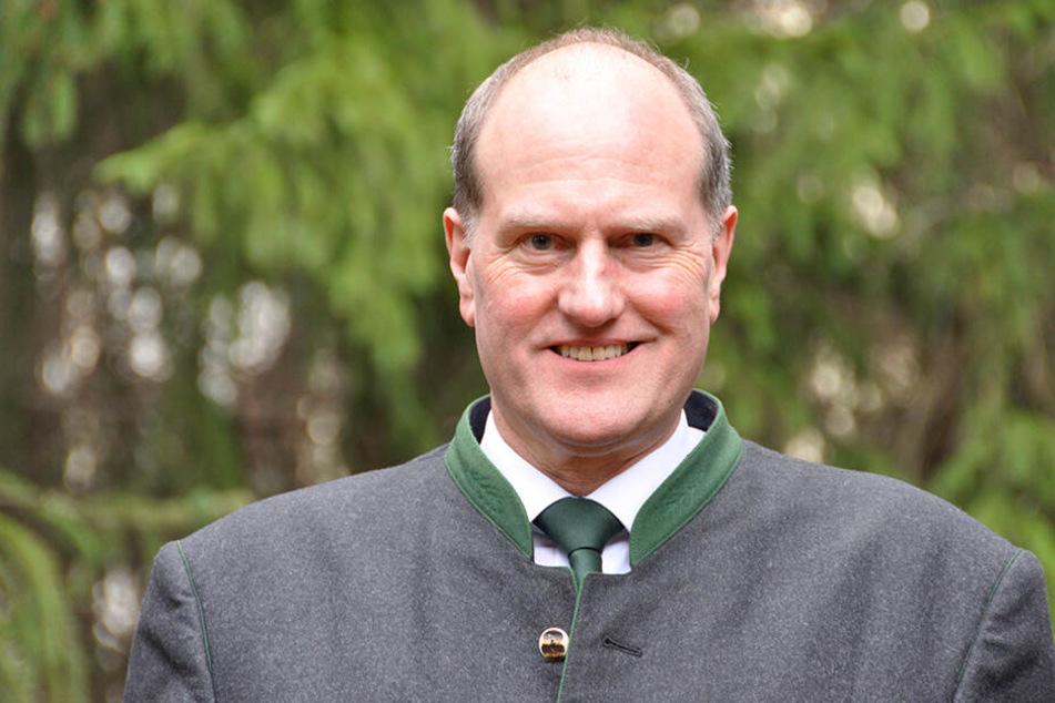 Landesforstpräsident Utz Hempfling (56).