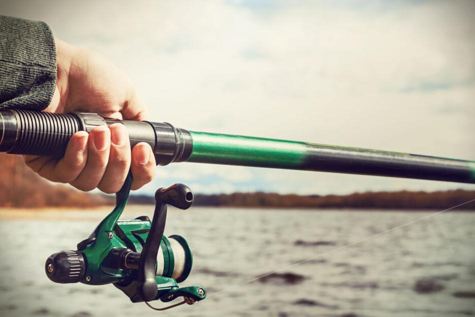 Ein Angler hatte die Leiche am 2. Juni am Rheinufer in Rheinberg entdeckt.