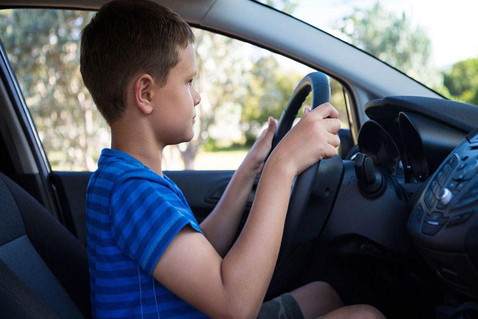 Recklinghausen: Junge (9) fährt nachts zu Volksfest, mit dem Auto der Eltern
