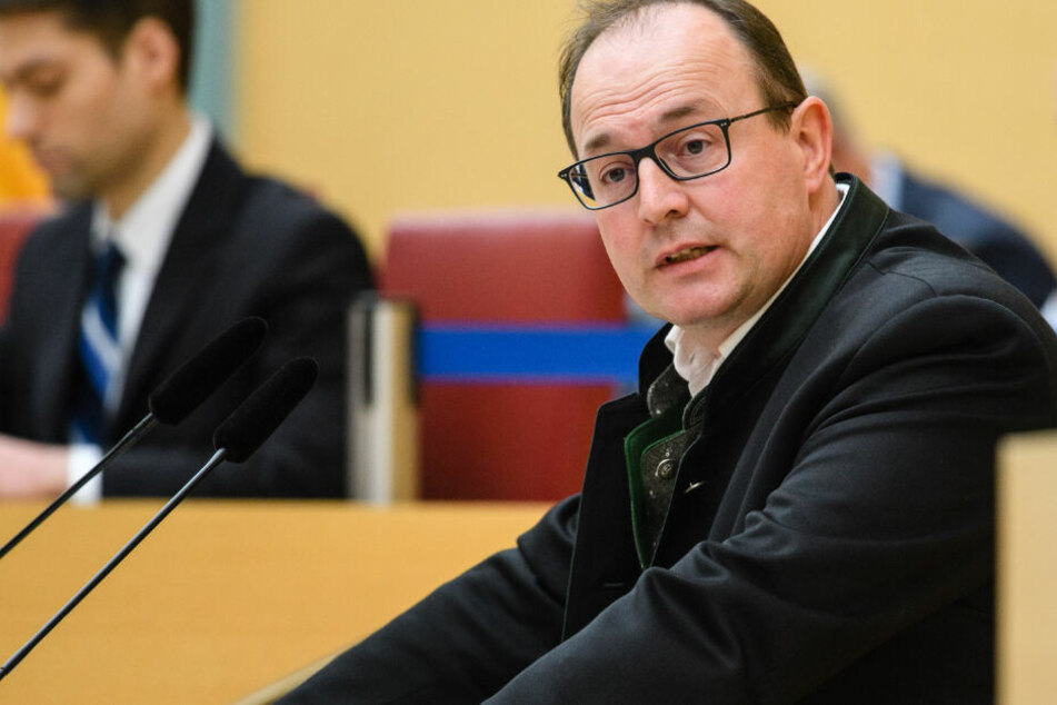 Der AfD-Fraktionsvorsitzende Markus Plenk will seinen aktuellen in der Fraktion abgeben.
