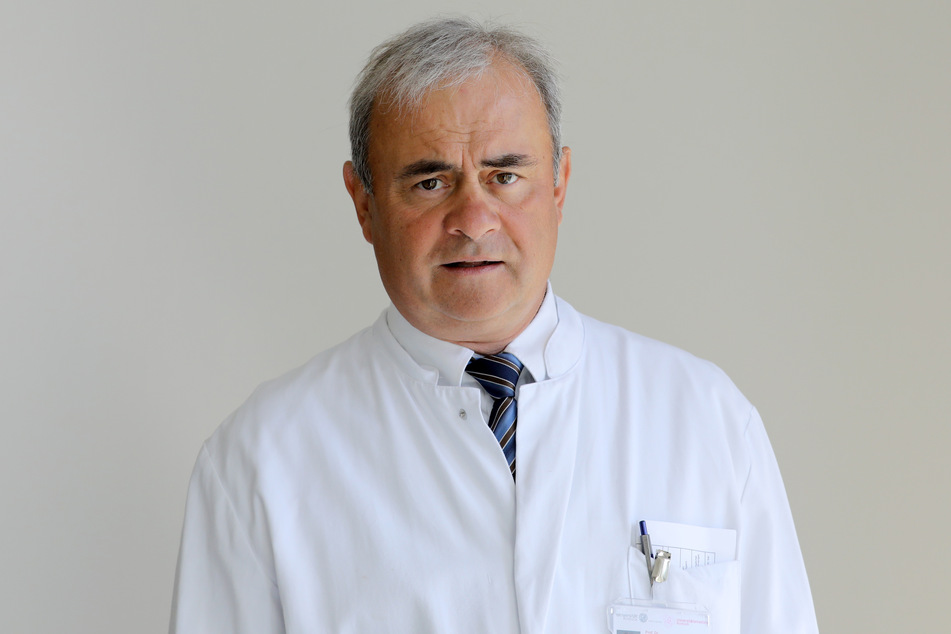 Der Rostocker Tropenmediziner Emil Reisinger bleibt optimistisch.