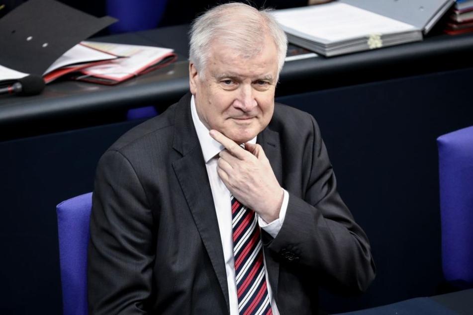 Innen- und Heimatminister Horst Seehofer (68, CSU)