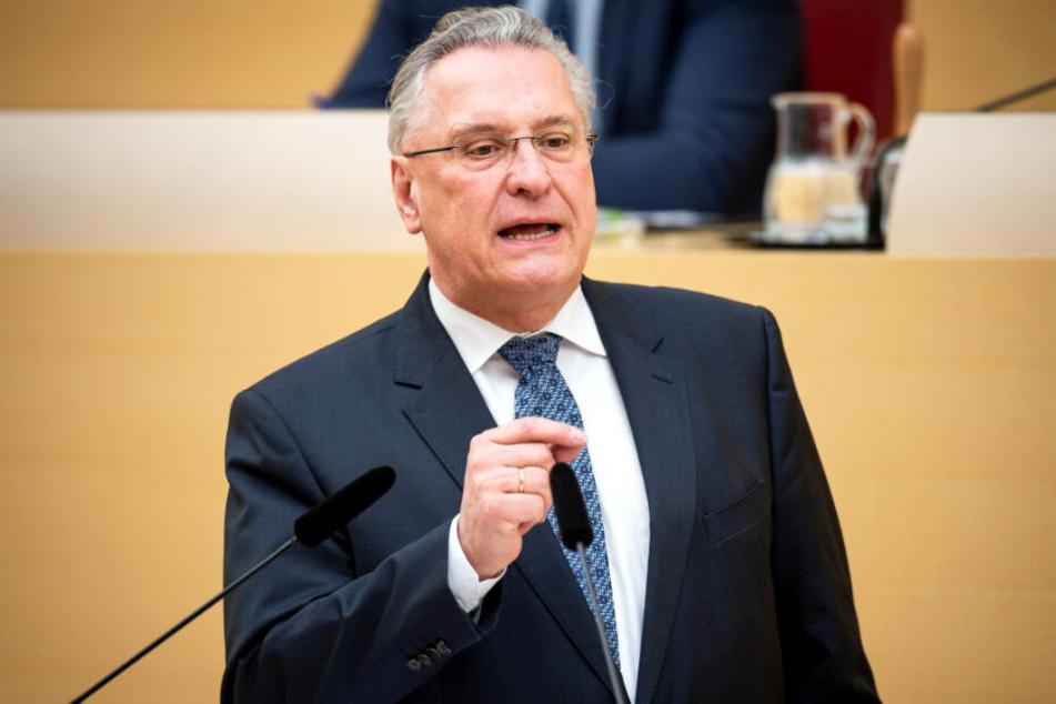 Joachim Herrmann setzt sich für mehr Abschiebungen nach Afghanistan ein.