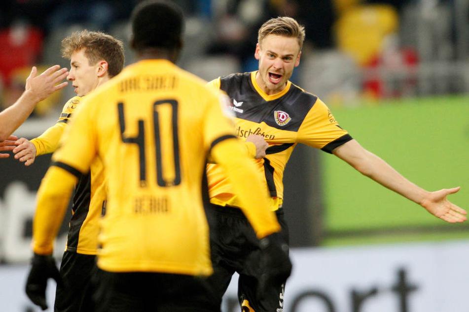 Lucas Röser (re.) schoss das 2:0 für Dynamo in der ersten Halbzeit.