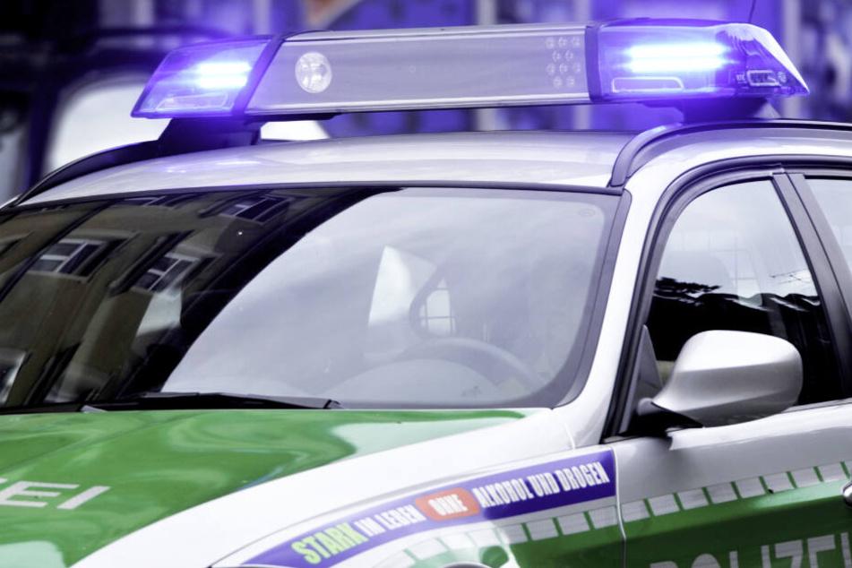 Die Polizei konnte den Flüchtigen am Ende der wilden Jagd verhaften. (Symbolbild)