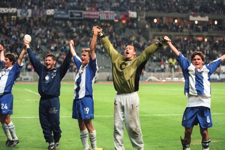 Im Stil von 1999: Herthas neue Kleider ähneln den Trikots aus Herthas einziger Champions League-Saison.